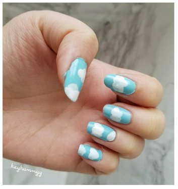 FRIYAY:: Sky && Cloud Nails!